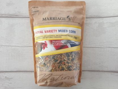 Treat for chickens, mixed corn for chickens, chicken treats